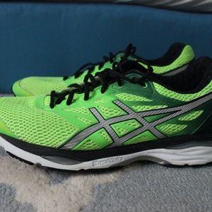 Asics Gel Cumilus 18 men's running shoes size 13